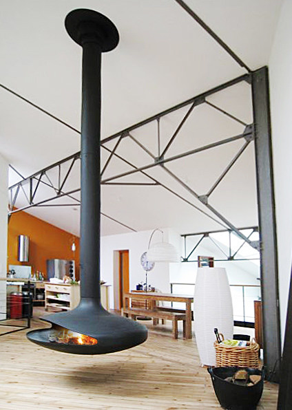 Open Central Hanging Fireplace Gyrofocus Gyrofocus