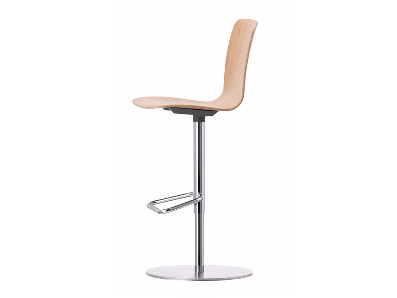 Swivel wooden barstool with footrest HAL PLY BARSTOOL by Vitra