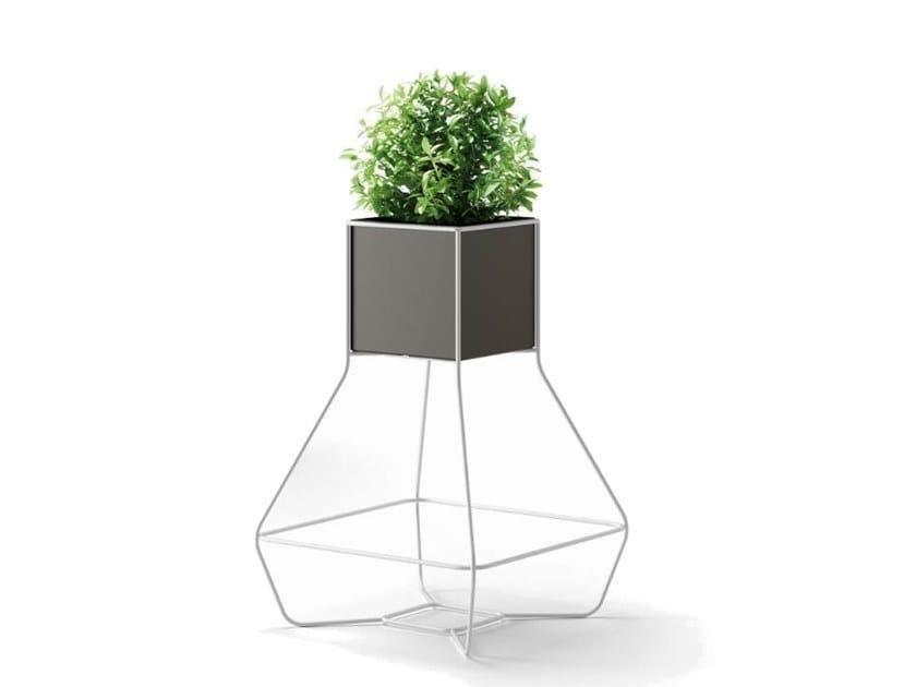 Vaso in plastica con struttura metallica HALFUL   Vaso by Plust
