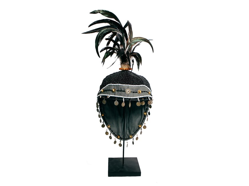 Iron decorative object HAT ON STAND by Bazar Bizar