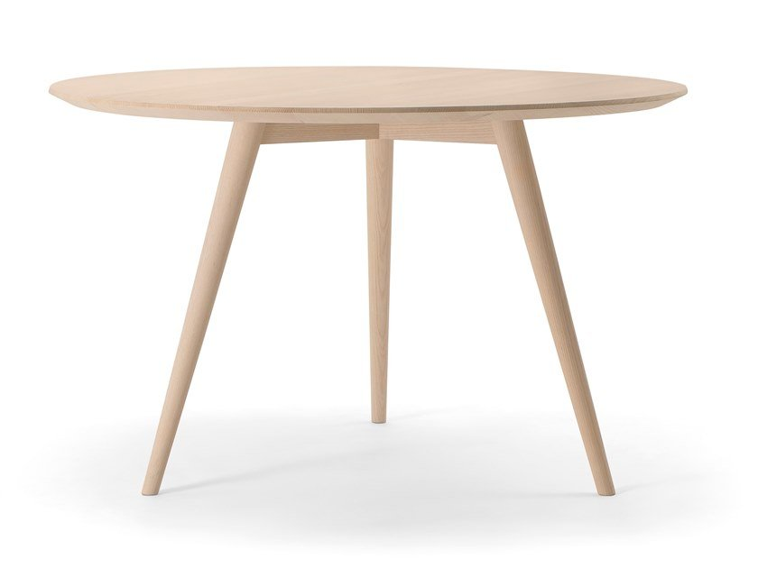 Round solid wood table HER TABLE | Round table by Verti