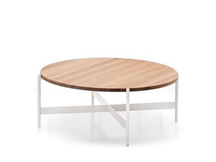 Low round Accoya® wood garden side table HERON | Round coffee table by Paola Lenti