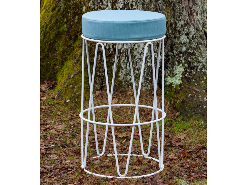 High upholstered stool LAGARTO   High stool by iSimar