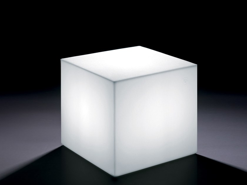 Square polyethylene coffee table with light HOME FITTING CUBO | Coffee table with light by Lyxo Design