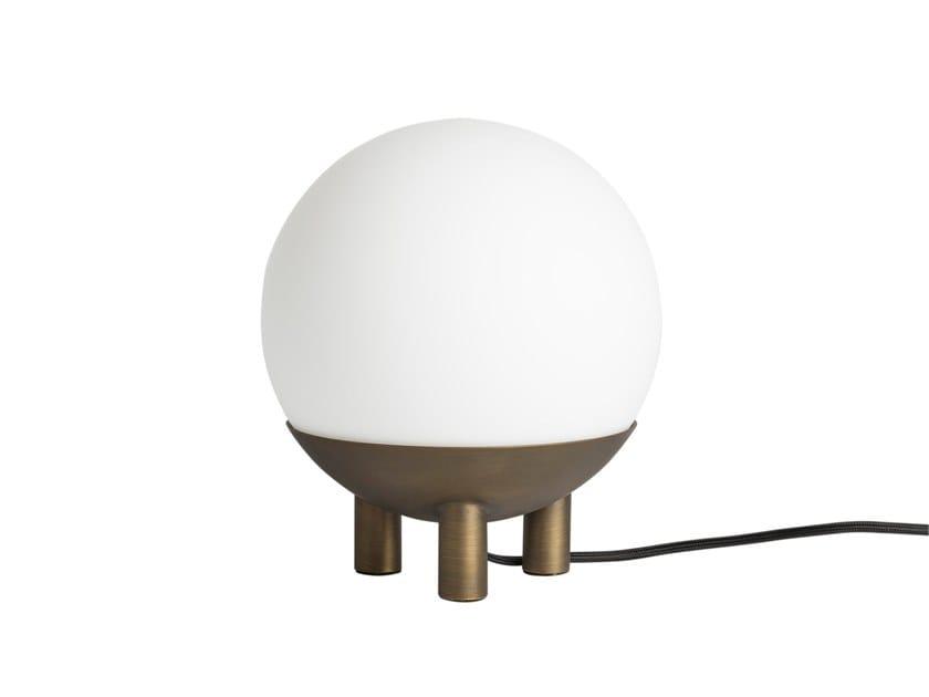 Lampada da tavolo a LED HOOP FEET | Lampada da tavolo by 101 Copenhagen