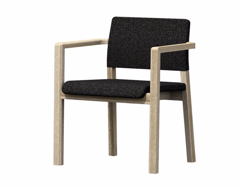 Sedia imbottita in tessuto con braccioli HOST + A by Z-Editions
