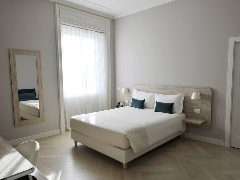 Hotel bedroom in urban style URBAN | Hotel bedroom by Mobilspazio