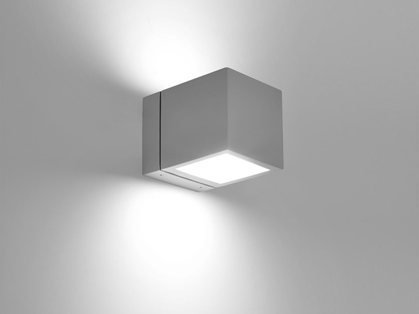 LED direct-indirect light die cast aluminium wall lamp HYDROCUBE | Direct-indirect light wall lamp by PUK