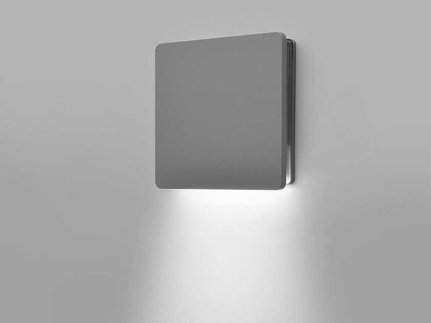 LED direct light die cast aluminium wall lamp HYDROECLIPSE   Direct light wall lamp by PUK