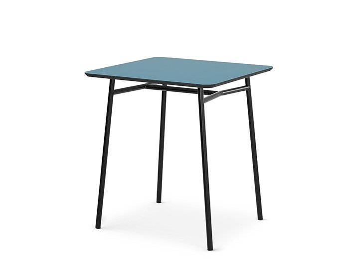 Square table IBETTA | Square table by SCULPTURES JEUX