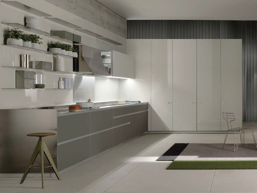 Lacquered linear kitchen ICON | Lacquered kitchen by ERNESTOMEDA