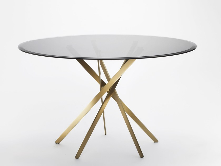 Round glass and steel table IKI | Glass table by Adentro