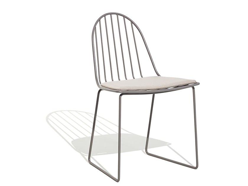 Sled base aluminium chair with integrated cushion ILLA | Chair by Bivaq