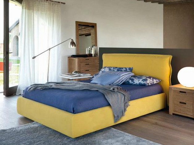Upholstered fabric double bed with removable cover IMBOTTITI | Bed by Devina Nais