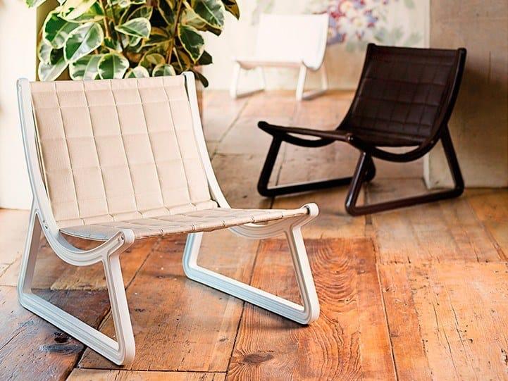 Sled base upholstered imitation leather guest chair DREAM LINE | Imitation leather easy chair by SLIDE