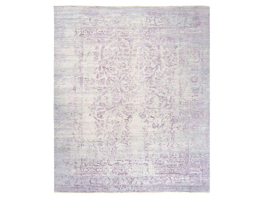 Handmade custom rug IMMERSIVE AQUAREL PURPLE by Thibault Van Renne