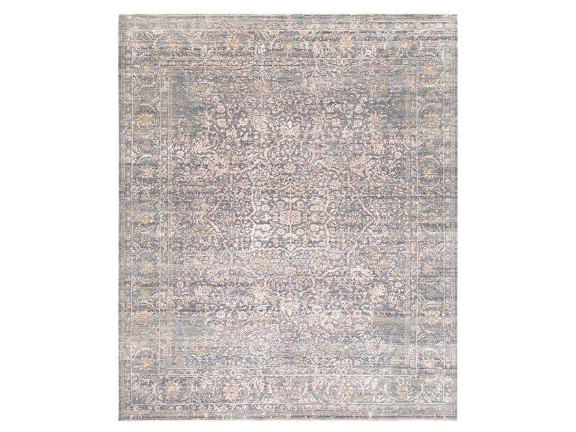 Handmade custom rug IMMERSIVE FIELDS GREY PINK by Thibault Van Renne