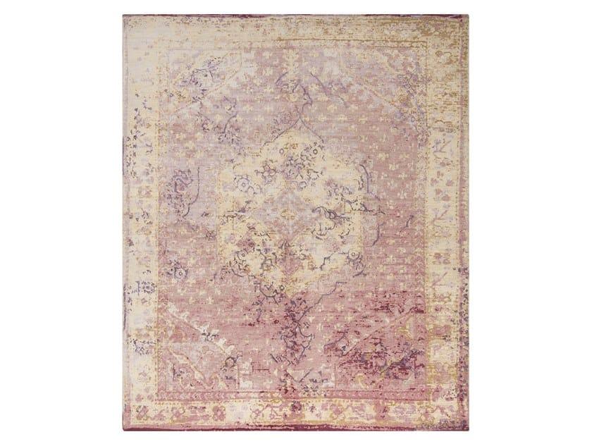 Handmade custom rug IMMERSIVE RED PURPLE by Thibault Van Renne