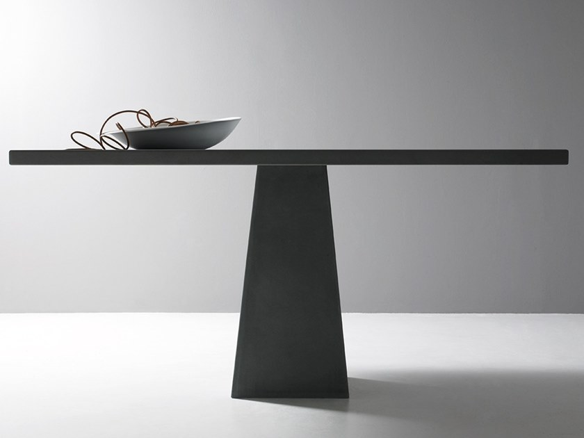 Square table INCAS | Square table by Agapecasa
