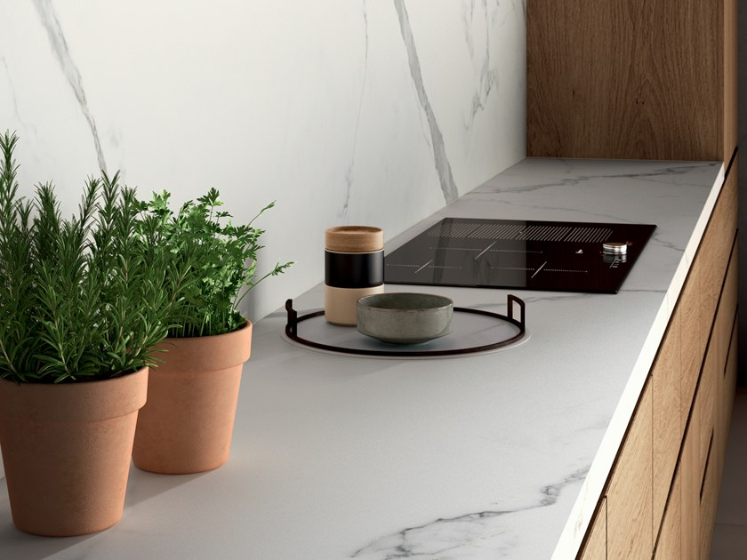 Porcelain stoneware kitchen worktop with marble effect INFINITO 2.0 CALACATTA WHITE | Kitchen worktop by CERAMICA FONDOVALLE