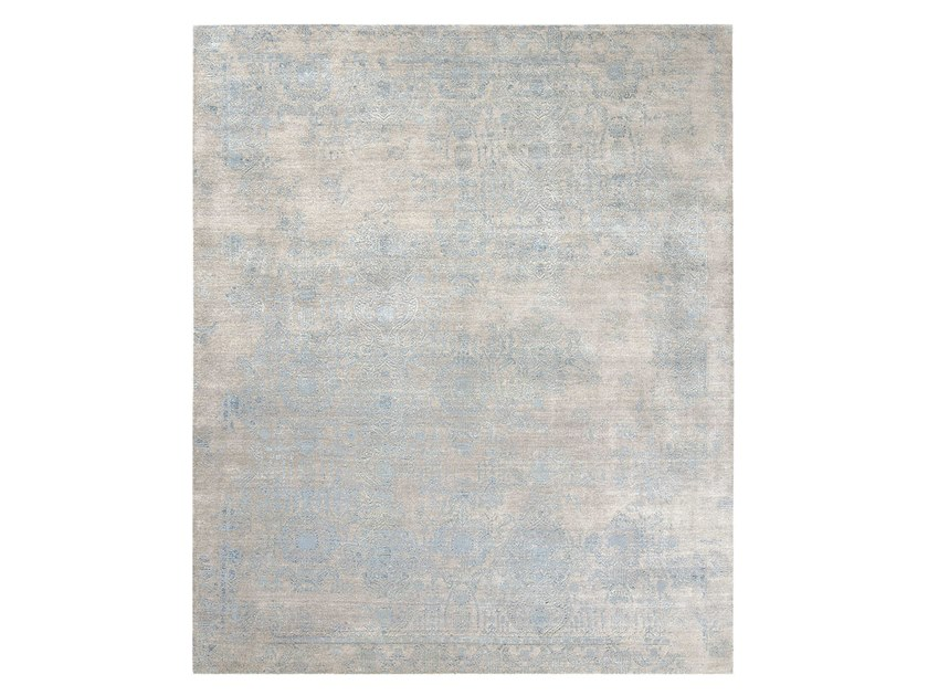Handmade custom rug INSPIRATIONS T3 LIGHT GREY BLUE 2 by Thibault Van Renne