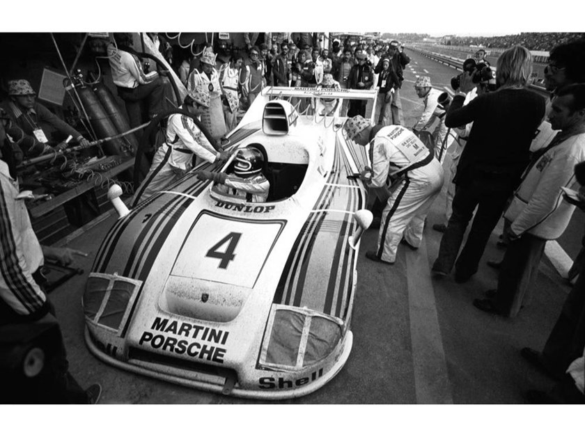 Stampa fotografica JACKY ICKX A LE MANS NEL 1977 by Artphotolimited