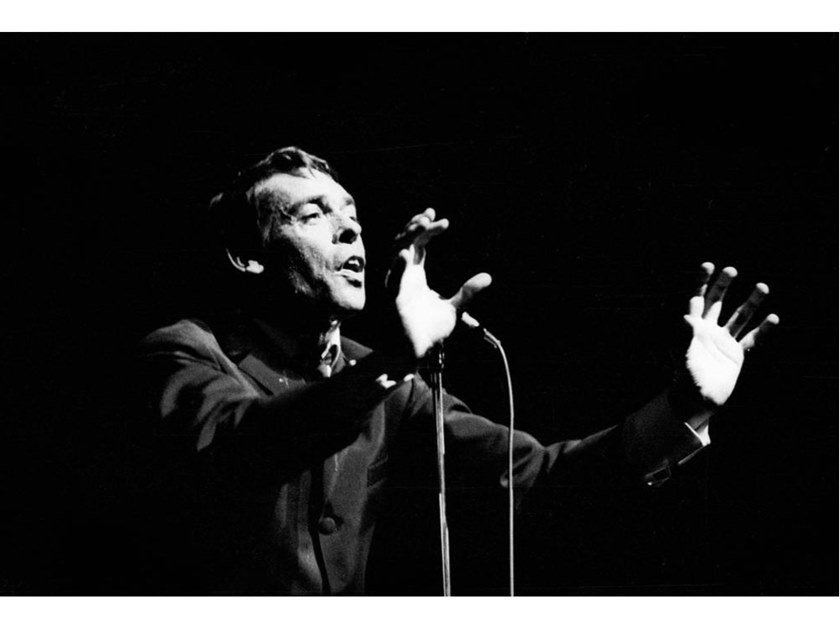 Stampa fotografica JACQUES BREL ALL' OLYMPIA, 1966 by Artphotolimited