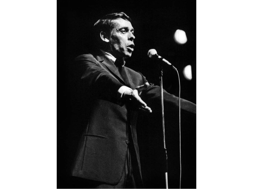 Stampa fotografica JACQUES BREL IN CONCERTO ALL'OLYMPIA by Artphotolimited