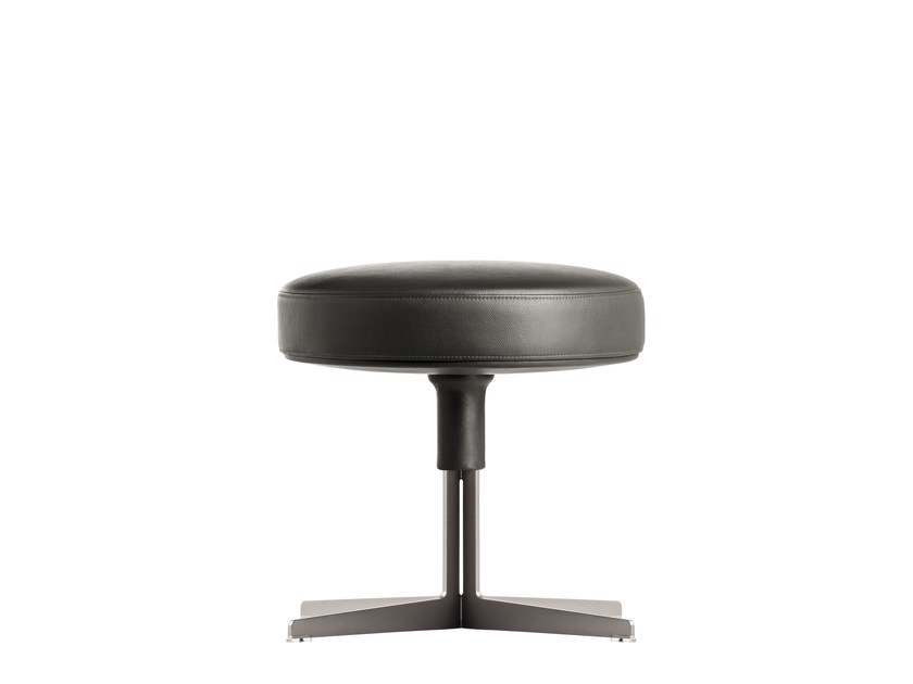 Round leather pouf JEFF | Pouf by Poltrona Frau