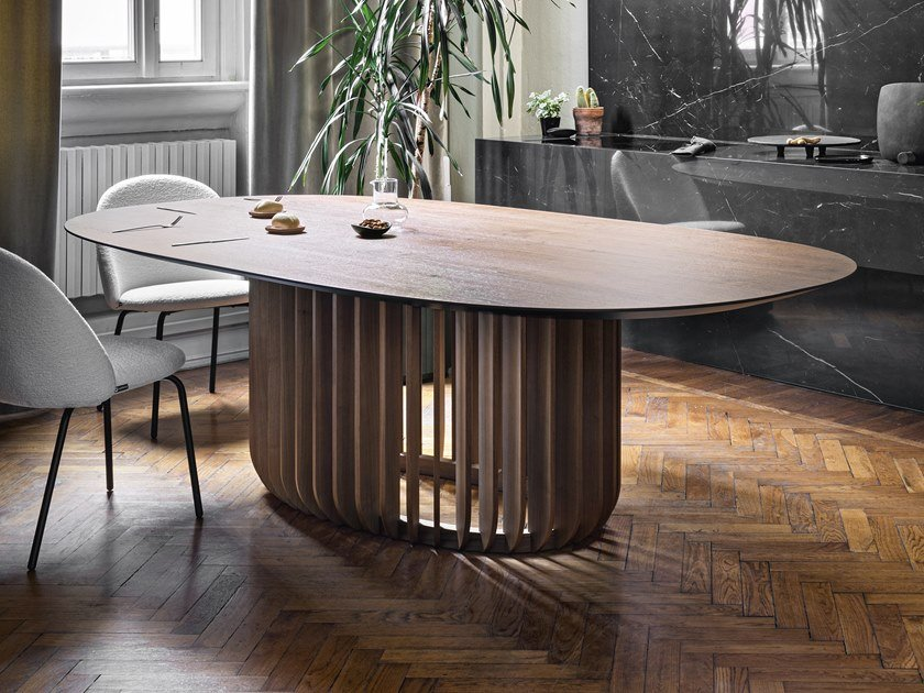 Oval wooden table JUICE | Oval table by Miniforms