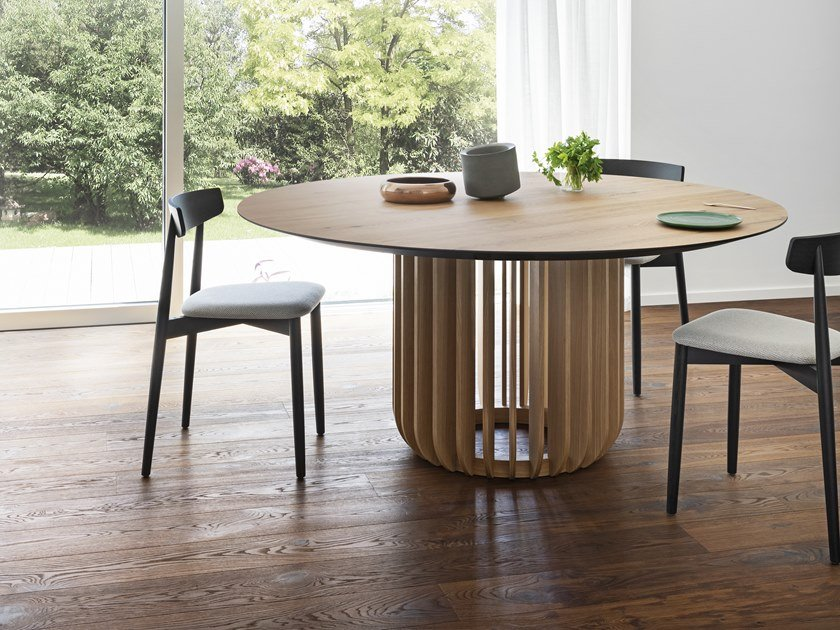 Round wooden table JUICE | Round table by Miniforms