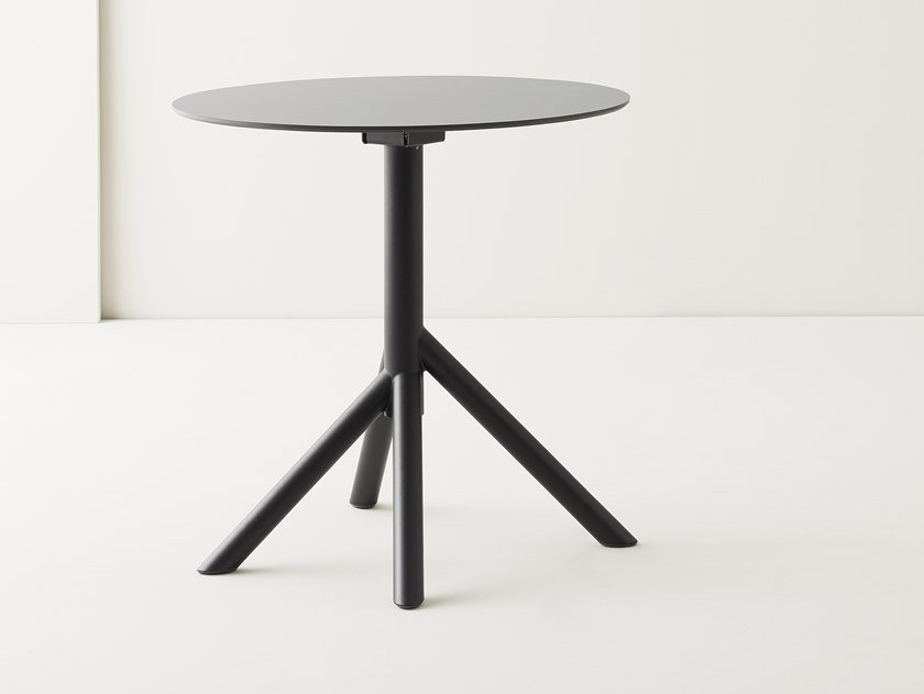 Folding round dining table JUXT | Round table by Segis