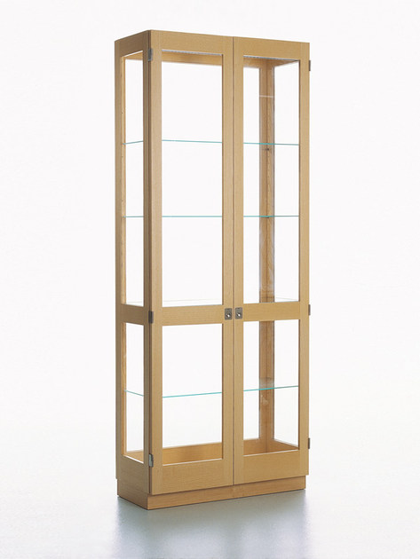 Contemporary style glass display cabinet KA72 | 758 by Karl Andersson