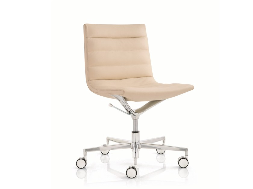 Swivel task chair with 5-Spoke base with casters KEY | Task chair with casters by Emmegi
