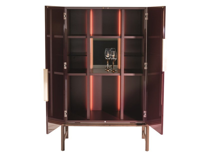 Lacquered wooden bar cabinet with integrated lighting KING'S CROSS | Bar cabinet by Visionnaire