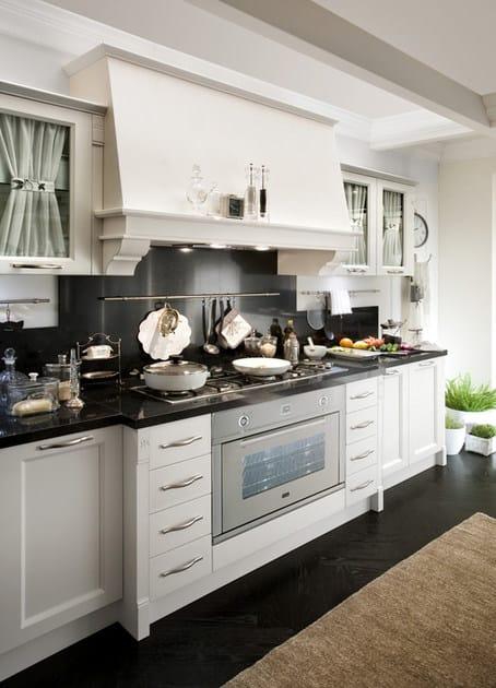 Cucina componibile in legno con maniglie CLASSIC MELODY ...