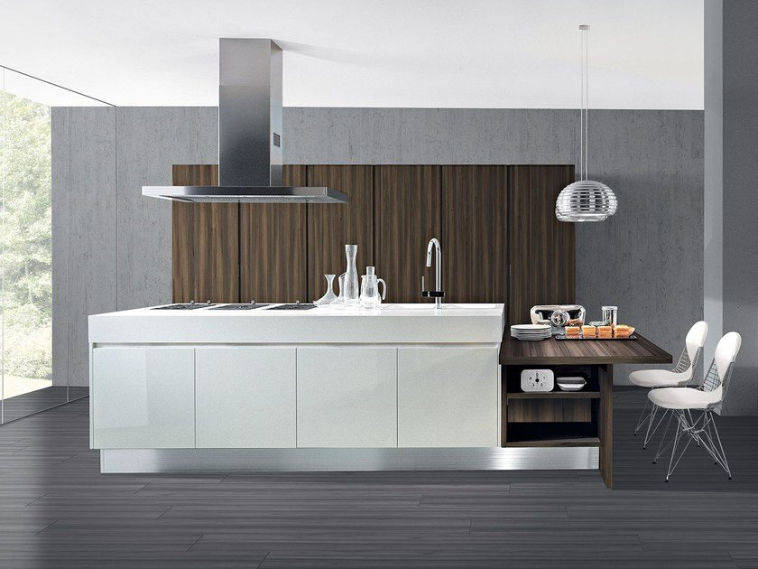Lacquered fitted kitchen with island AREA   Kitchen with island by Oikos Cucine