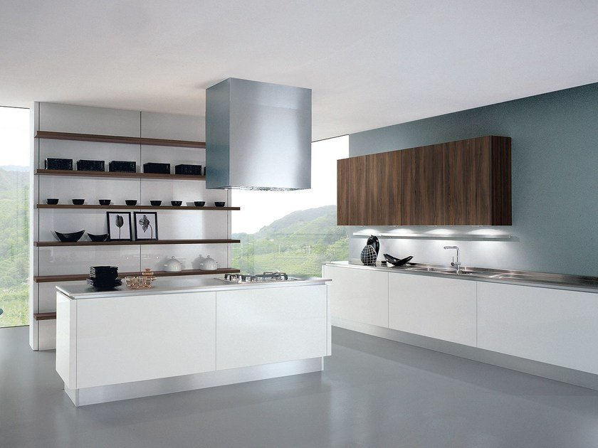Lacquered fitted kitchen with island TOUCH | Kitchen with island by Oikos Cucine