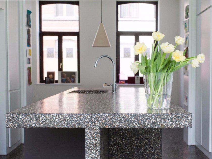 Top cucina con rivestimento minerale BEALSTONE | Top cucina by BEAL International