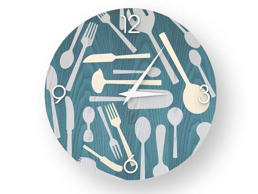 Orologio da parete in legno intarsiato KITCHENTOOLS COLORS | Orologio by LIGNIS®