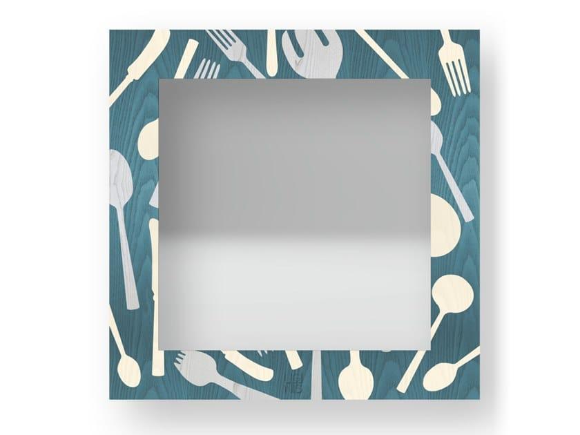 Specchio quadrato a parete con cornice KITCHENTOOLS COLORS | Specchio by LIGNIS®