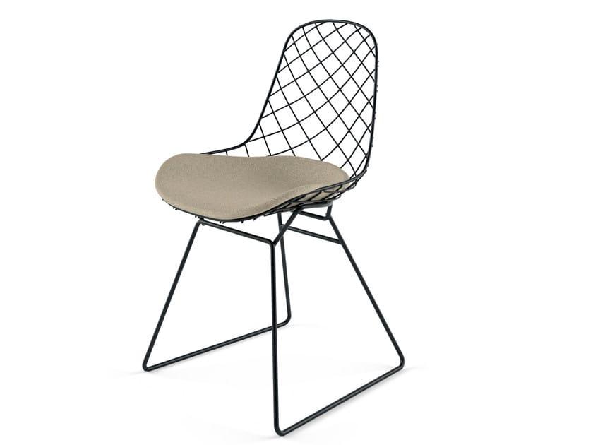 Stuhl aus pulverbeschichtetem Stahl mit Kufengestell mit integriertem Kissen KOBI SLEDGE - N01 by Alias