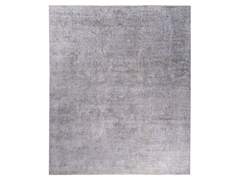 Handmade custom rug KOHINOOR REVIVED WHITE & GREY by Thibault Van Renne
