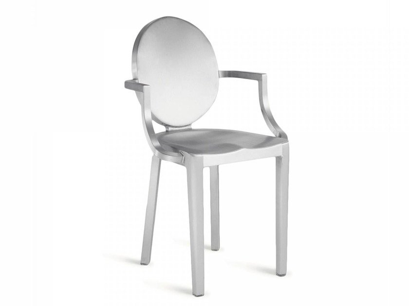 Aluminium chair with armrests KONG | Chair with armrests by Emeco