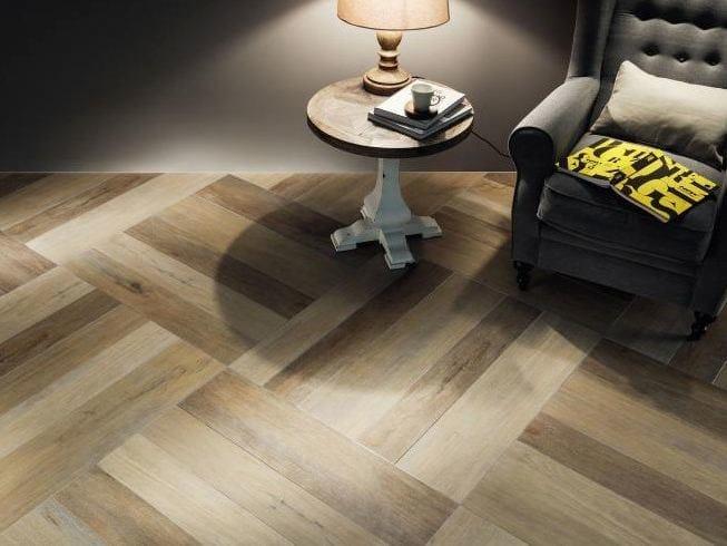 Pavimento in gres porcellanato effetto legno KORZILIUS RUSTIC | Pavimento by tubadzin