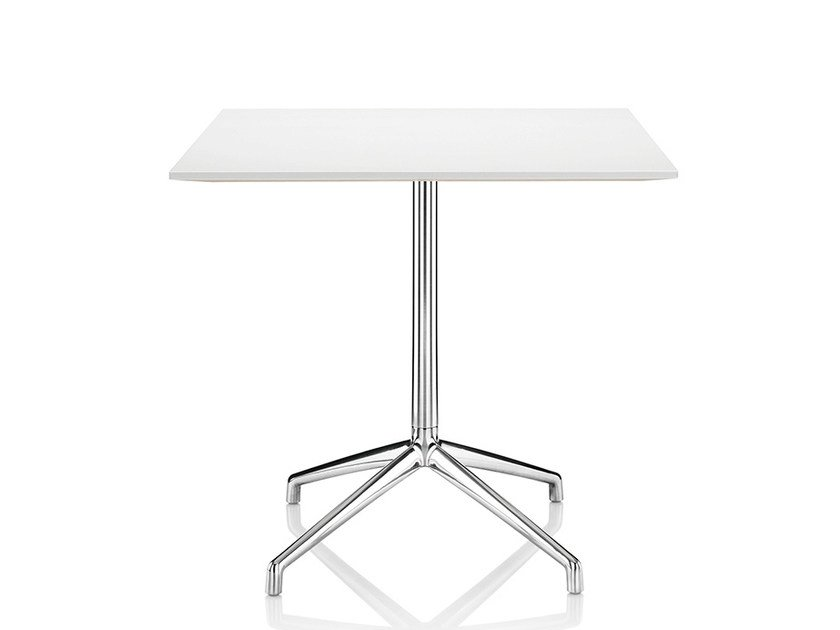 Lacquered square table with 4-star base KRUZE | Square table by Boss Design