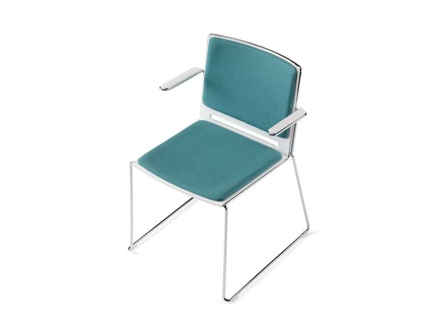 Sled base stackable fabric training chair with armrests KUBIKA   Sled base training chair by Arte & D