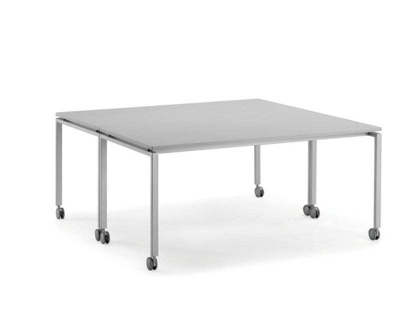 Square workstation desk with casters KUDOS | Square office desk by TALIN