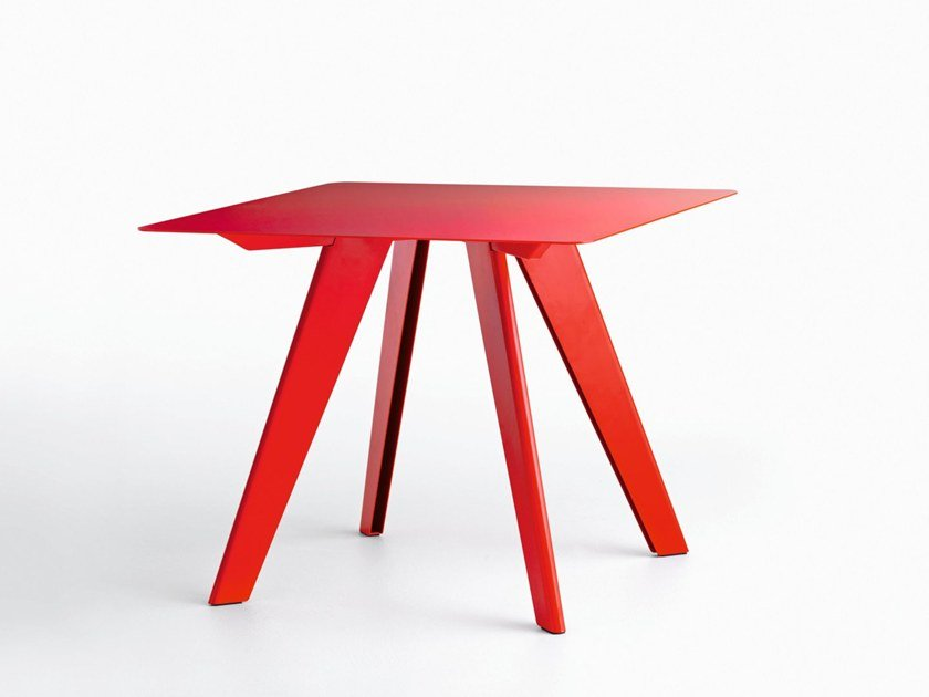 Square table L50 | Square table by LIGHTSON