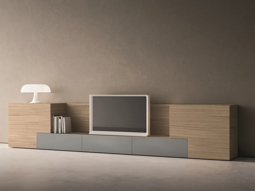 Sectional oak storage wall LEI | Composition L606 by ZANETTE